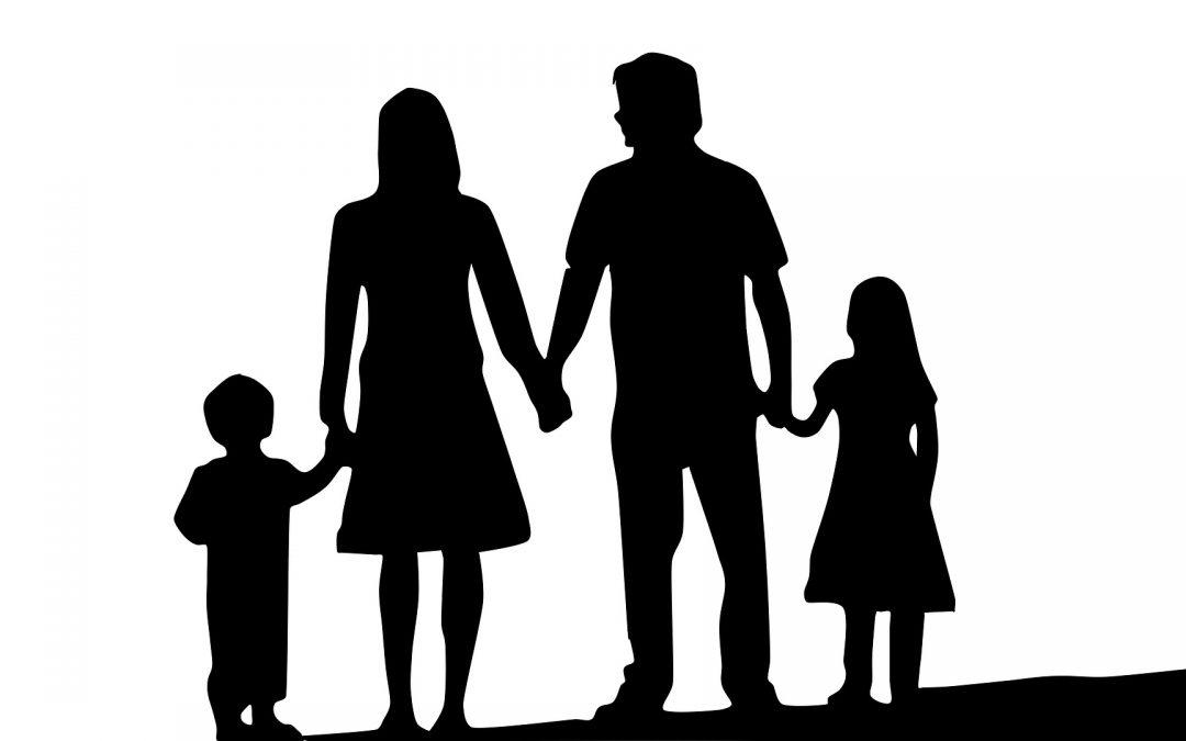 Criar rotina e dedicar tempo ao cuidado dos filhos são estratégias preventivas
